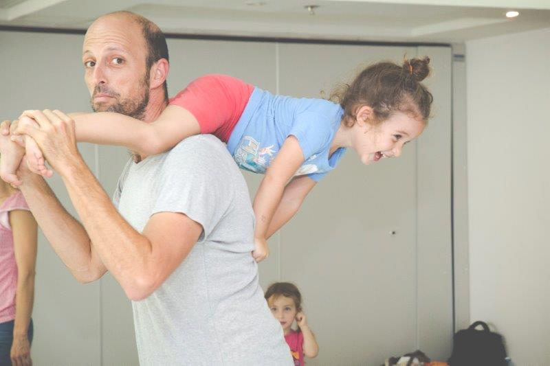 contakids dresden - Itay - ContaKids-Erfinder bei einer Übung mit seiner Tochter.